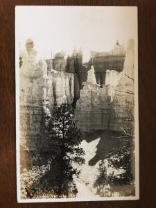 1940 RPPC Queen Victoria , Bryce Canyon National Park, Utah D10