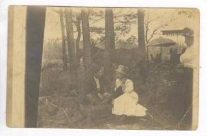 RP Couple with buggy in woods, VANCE, South Carolina, PU 1913