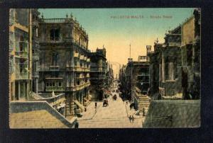 032055 MALTA VALLETTA Strada reale Vintage color PC