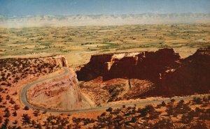 near Grand Junction & Fruita, CO, Colorado Nat'l Monument, Chrome Postcard g6479