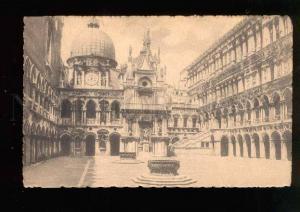 039425 ITALY Venezia.Cortile del Palazzo Ducale