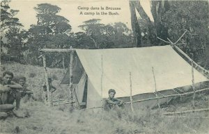 Papouasie Nouvelle Guinee Oceanie Papua New Guinea natives camp in the bush