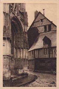 De Rouen Au Havrem Porte Renaissance De Notre-Dame Et Vieilles Maisons Norman...