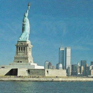 Statue of Liberty New York Twin Towers WTC/World Trade Center Ellis John Lantero