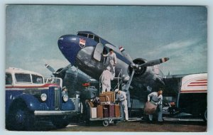 Postcard United Airlines Mainliner c1940s Luggage Tarmac Workers #2 AD15