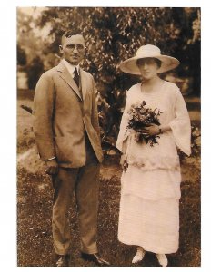 Harry S Truman and Wife Bess on Wedding Day at Truman Library & Museum 4 by 6