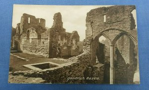 Vintage  Postcard  Goodrich Castle  Herefordshire  F1F