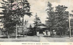 Bemidji Minnesota~Forest Ranger Station~Wooden Sign Post~Hot & Dry Here~1947 B&W