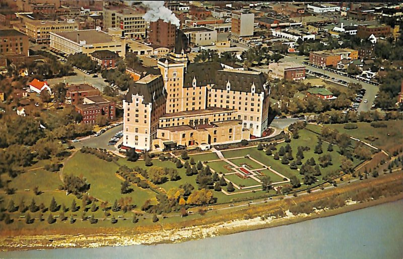 aerial view Bessborough Hotel, building architecture city view street