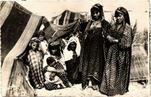 CPA Scenes & Types Campement de Nomades Algerie (735739)