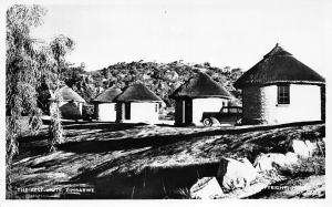 Zimbabwe Rhodesia, The Rest Huts, Vintage Auto Car Voiture RP
