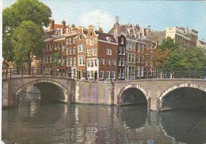 Het Damrak te Amsterdam Netherlands