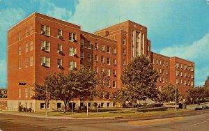 AUSTIN TEXAS~BRACKENRIDGE HOSPITAL-19th & EAST AVENUE-1950-60s POSTCARD
