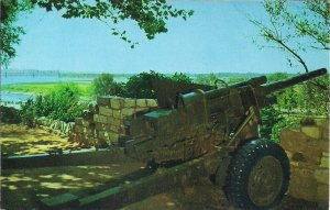 Memphis TN, Confederate Park, Artillery Cannon Modern Howitzer, 1968 Mississippi