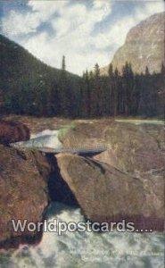 Natural Bridge Field Canada 1908