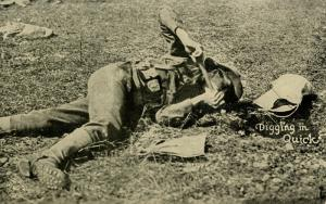 U.S. Soldier Digging In Quick (Military)