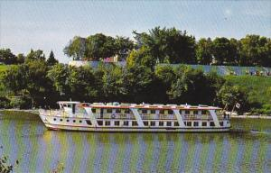 Ms. River Rouge, River Cruise Ship, Red River, Winnipeg, Manitoba, Canada, 40...
