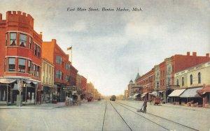 LP53  Benton Harbor   Michigan  Postcard E. Main St view