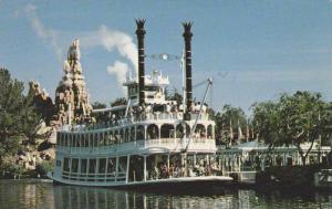 Gatherin' Steam, Frontierland's own sternwheeler, the Mark Twain, Disneylan...