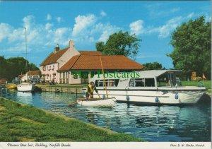 Norfolk Postcard - 'Pleasure Boat Inn', Hickling, Norfolk Broads   RR10383