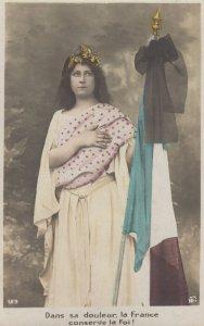RP: Woman & Flag , Dans sa douleur la France conserve la Foi! , 00-10s