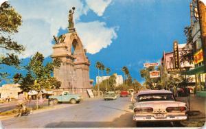 MONTERREY NUEVO LEON MEXICO~CALZADA MADERO ARCO INDEPENDENCIA POSTCARD 1960s