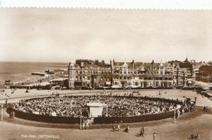 Kent Postcard - The Oval - Cliftonville - Real Photograph - Ref ZZ5858