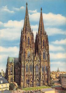 Koeln am Rhein Dom Cathedral Auto Cars
