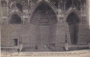 France Amiens La Cathedrale Le grand portail
