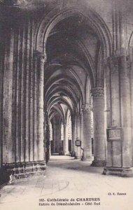 France Chartres Cathedrale Entree du Deambulatoire Cote Sud