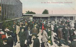 UNIVERSAL CITY , California , 1910s; At the Zoo