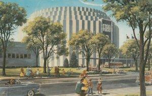 DEARBORN , Michigan , 1957 ; FORD Rotunda