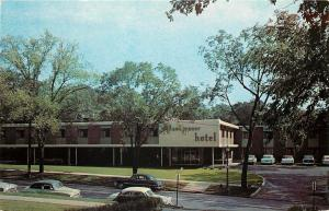 Syracuse NY~Mohawk Manor Motorist Hotel~Genesee Street~Nice 1950s Cars~Postcard