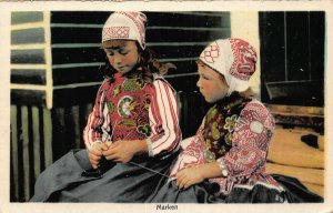 Netherlands Marken, Girls Traditional Costumes Postcard