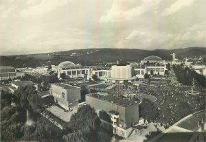 Postcard CZECH REPUBLIC Brno le parc des expositions architecture flags garden