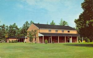 Richmond Indiana~Earlham College~Stout Memorial Meeting House~1957 Postcard