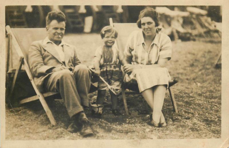 Family portraits with children social history early photo postcards x 7