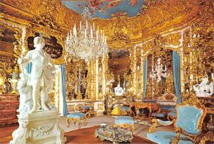 Royal Castle of Linderhof Spiegelsaal Chandelier Statue