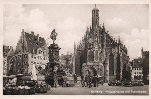 Neptunbrunnen and Frauenkirche,Nurnberg,Germany BIN