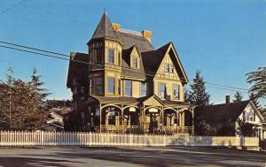 Laconner WA Gaches Mansion (The Arts Gallery) Corner Turret~Picket Fence 1960s
