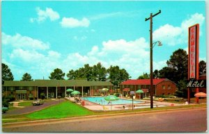Columbus, Georgia Postcard CAMELLIA MOTEL Highway 27 Roadside Pool View 1960s
