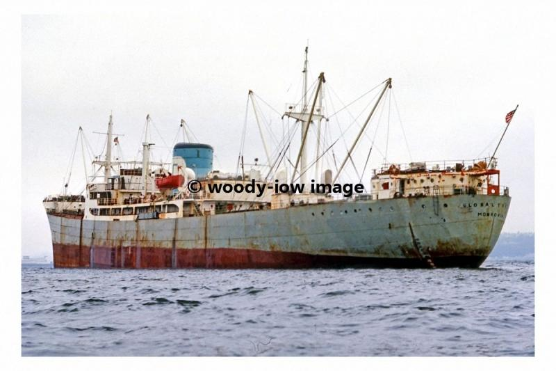 mc4541 - Liberian Cargo Ship - Global Trader , built 1960 - photo 6x4