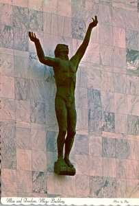 Minnesota Rochester The Mayo Clinic Building Man and Freedom Statue