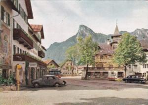 Germany Oberammergau Dorfplatz mit Kofel