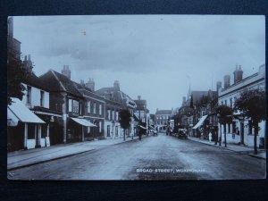 Berkshire WOKINGHAM Broad Street c1920s RP Postcard