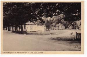 Cabines Pingouin , St.-Patrice , Riviere du Loup , Quebec , Canada , 30-40s