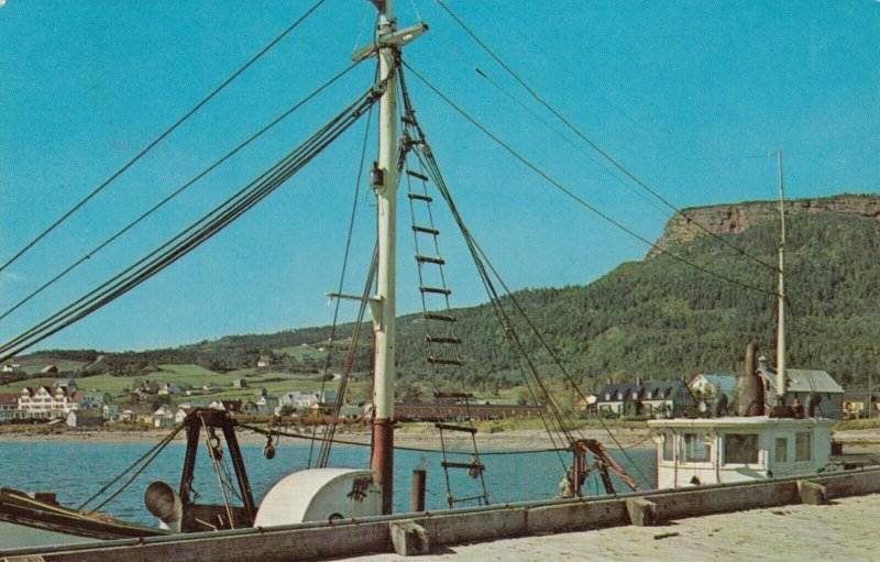PERCE , Quebec, 1966 ; Mont Ste-Anne from wharf