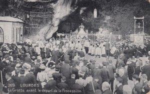 LOURDES, France,1910-1920s, LaGrotte avant le depart de la Procession