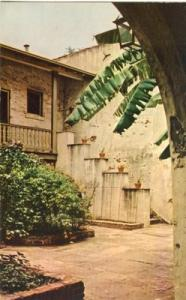 Bosque Courtyard, New-Orleans, Louisiana, unused Postcard