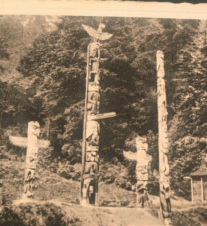 Indian Totem Poles , Vancouver BC , Stanley Park Postcard 1930s
